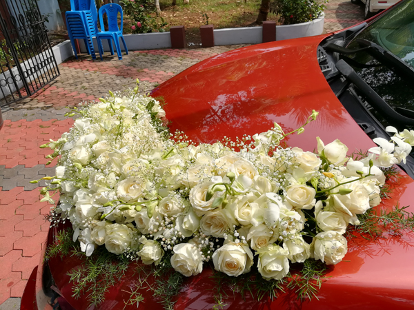 Christian_wedding_parumala_Church_wedding_planner_thiruvalla_kerala_Car_Decor_flower_decor.jpg