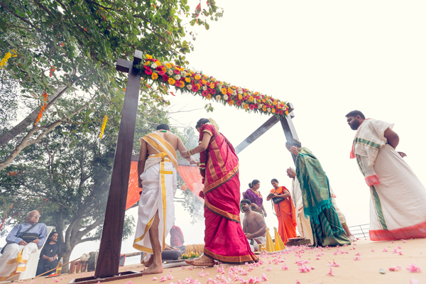 Destination_Wedding_Aleppey_punnamada_Resort_Event_wedding_planner_Mehandi_kerala_brahmin_nair_Wedding_Outdoor_stage.jpg