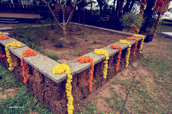 Destination_Wedding_Aleppey_punnamada_Resort_Event_wedding_planner_Mehandi_kerala_brahmin_nair_Wedding_marigold_floral_decor.jpg