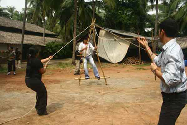 island crossing -Team Building by Red Carpet Events at Ramada resort Kochi Kerala India Corporate Events Gallery