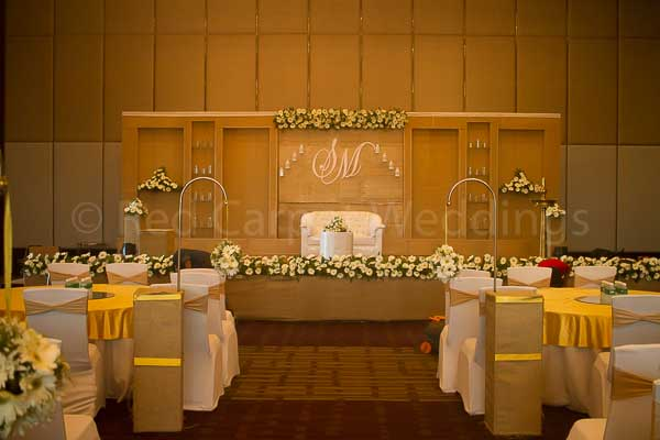 gold & white jute theme decor -Christian wedding planning by Red Carpet Events at hotel crowne plaza kochi kerala India Wedding Planning Gallery