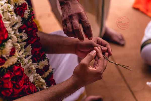 tamil brahmin rituals tying the darbha around your fingers groom