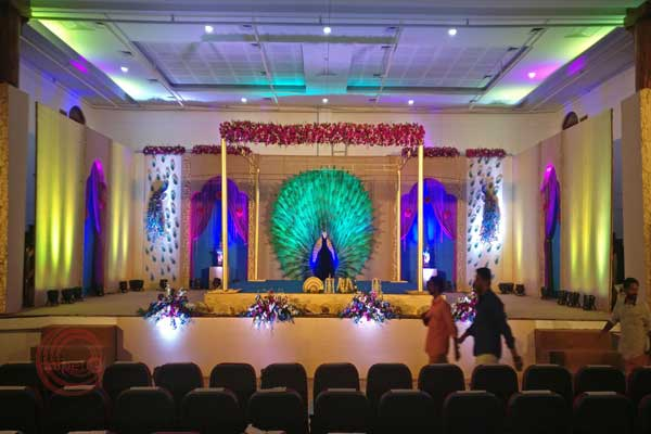 peacock theme wedding stage