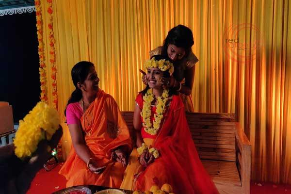 Mehndi ceremony at home
