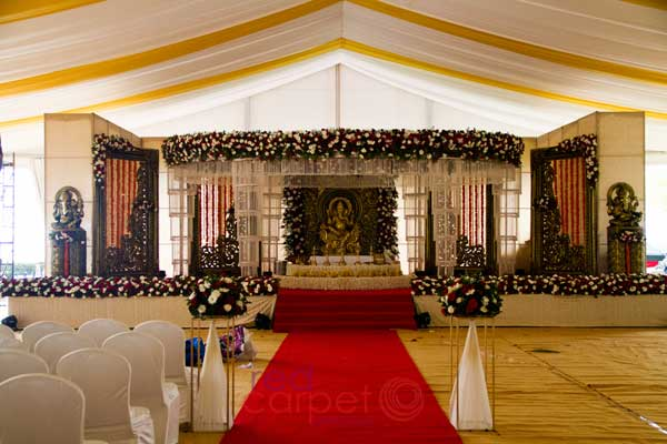 hindu wedding stage decor