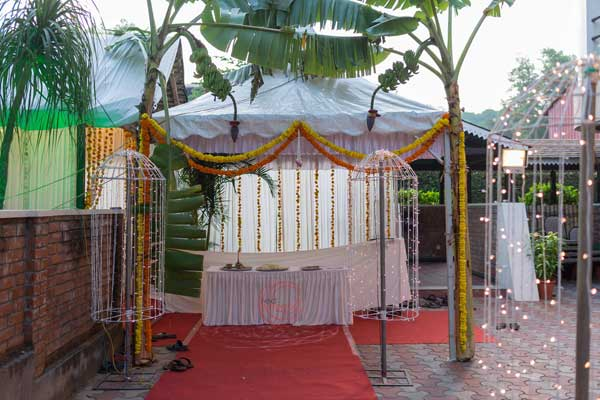 Plantain leaf kulavazha entrance decor -shashtipoorthi by Red Carpet Events at hotel indraprastha palakkad kerala India Wedding Planning Gallery