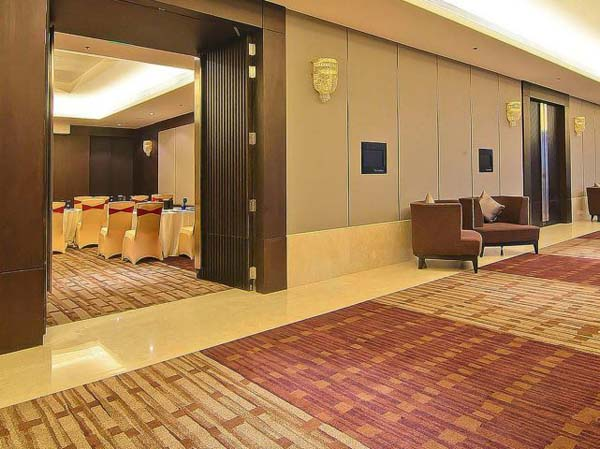 Hotel Crowne Plaza facilities: First entrance to the banquet hall