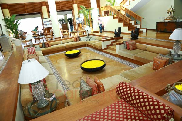 The Leela Raviz facilities: lobby