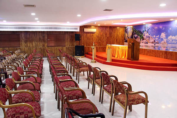 Hotel_Sky_Palace_meeting_hall_kannur.jpg