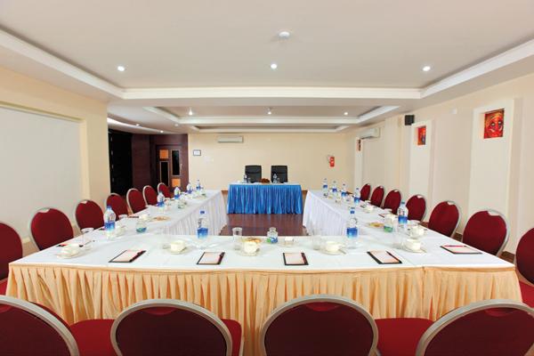 Hotel_srivatsa_event_management_wedding_Decor_corporate_meets_palakkad.jpg