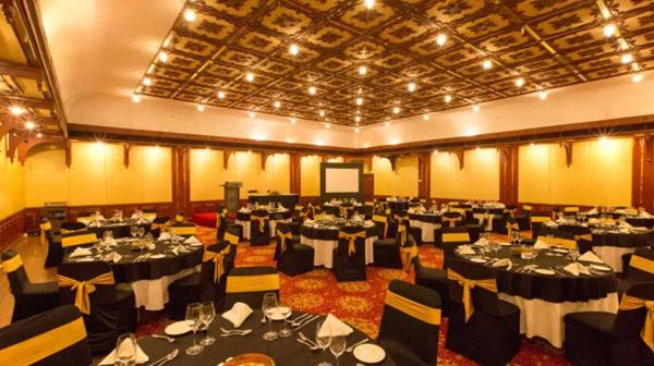 Round_Table_Conference_Hall_Casino_Hotel_Willingdon_Island_Cochin.JPG