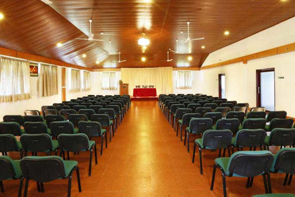 Spice-Grove-Hotels-And-Resorts_conference_hall_business_meeting-idukki.jpg
