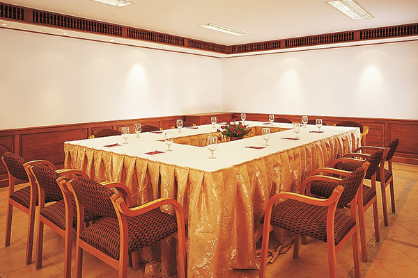 The_Raviz_Resort_&_Spa_Kadavu_Kozhikode_event_management_road_shows_wedding_conference_meetings.jpg