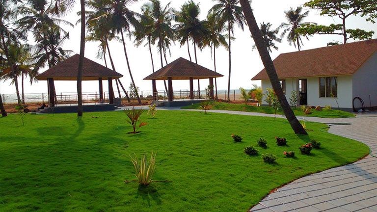 Bekal Beach Camp facilities: lawn