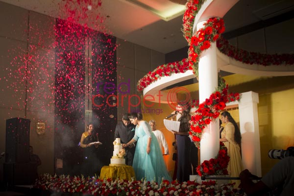 Hotel Crowne Plaza facilities: Wedding reception stage decor