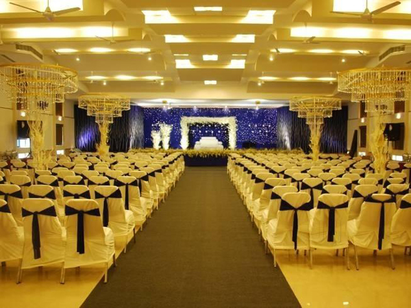 prince-convention-centre-alappuzha-north-event-management-stage-decoration.jpg