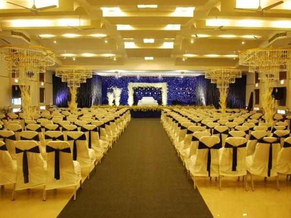 prince-convention-centre-alappuzha-north-event-management-stage-decoration.jpg