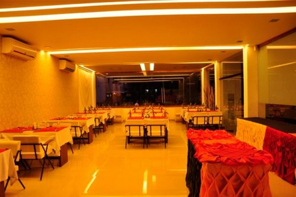 sayoojyam residency_wedding stages_palakkad_wedding halls.jpg