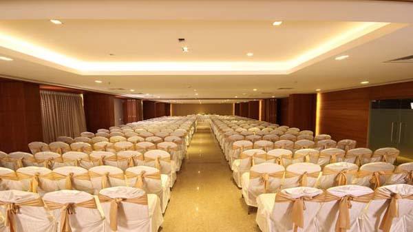 The Chrysoberyl Hotel facilities: