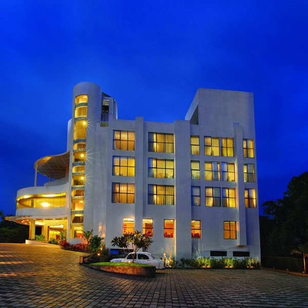 Central Avenue|Thavakkara Kannur.  Ac Banquet Hall     Mini hall