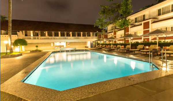 Swimming_Pool_Casino_Hotel_Willingdon_Island_Cochin.JPG