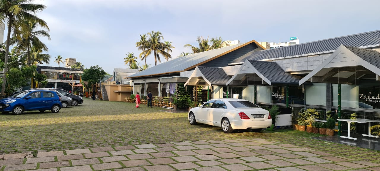 Azeezia Farm Convention Centre|Edappally kochi.  Non Ac       Outdoor venue