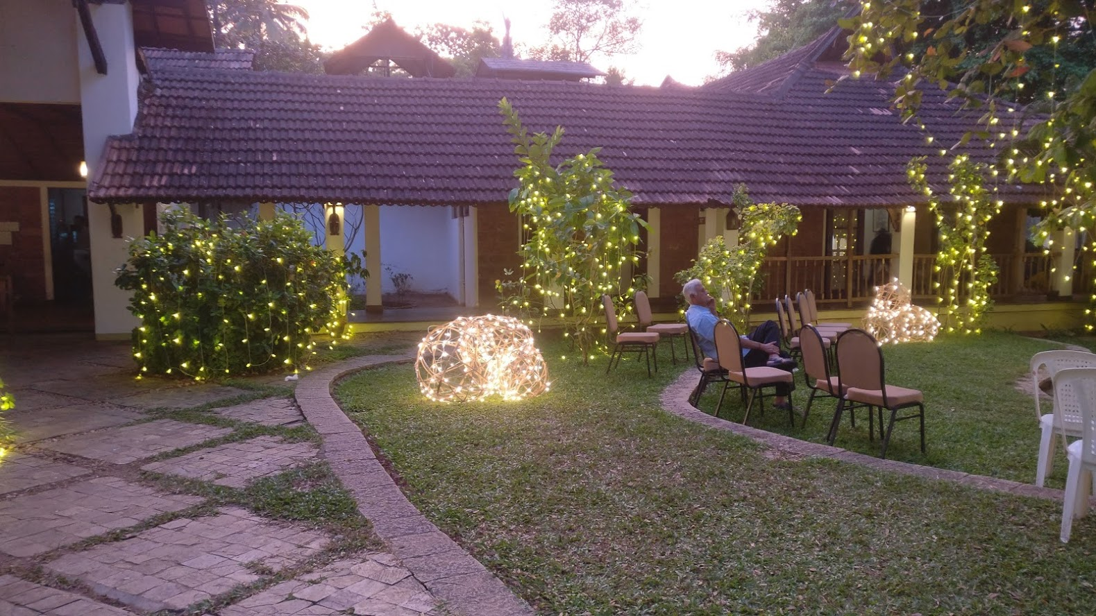 punnamada resort lighting decor.jpg